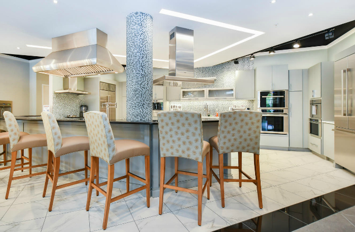 The Showroom Features Brands Such As Sub Zero And Wolf, Dornbracht And  Jacuzzi Luxury Bath. Along With A Working Kitchen, The Showroom Also  Includes A ...